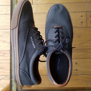 🦋Tommy Hilfiger Men's Gray Chambray Sneakers